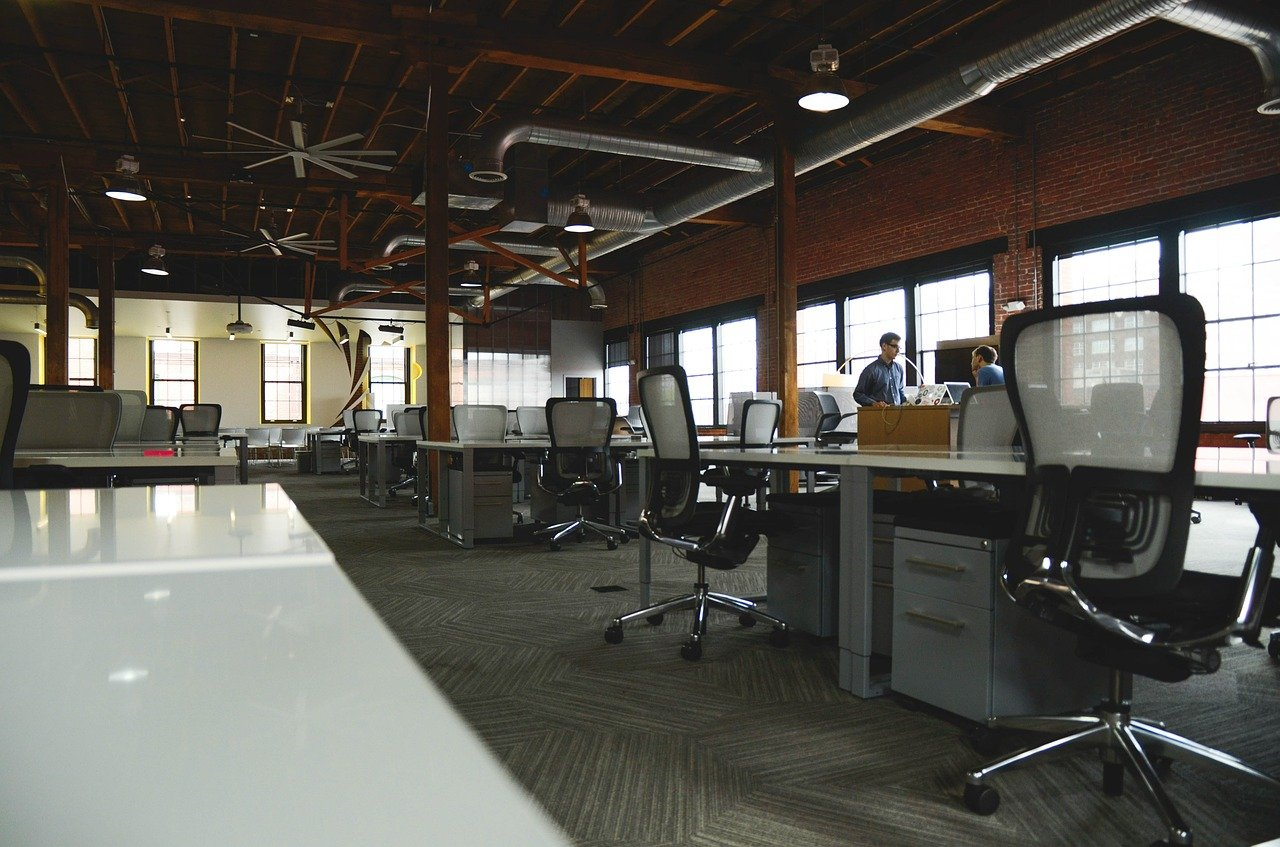 Office_office-594119_1280